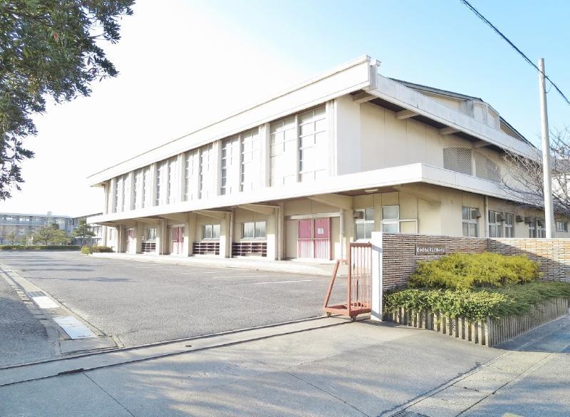 西尾市立吉田小学校