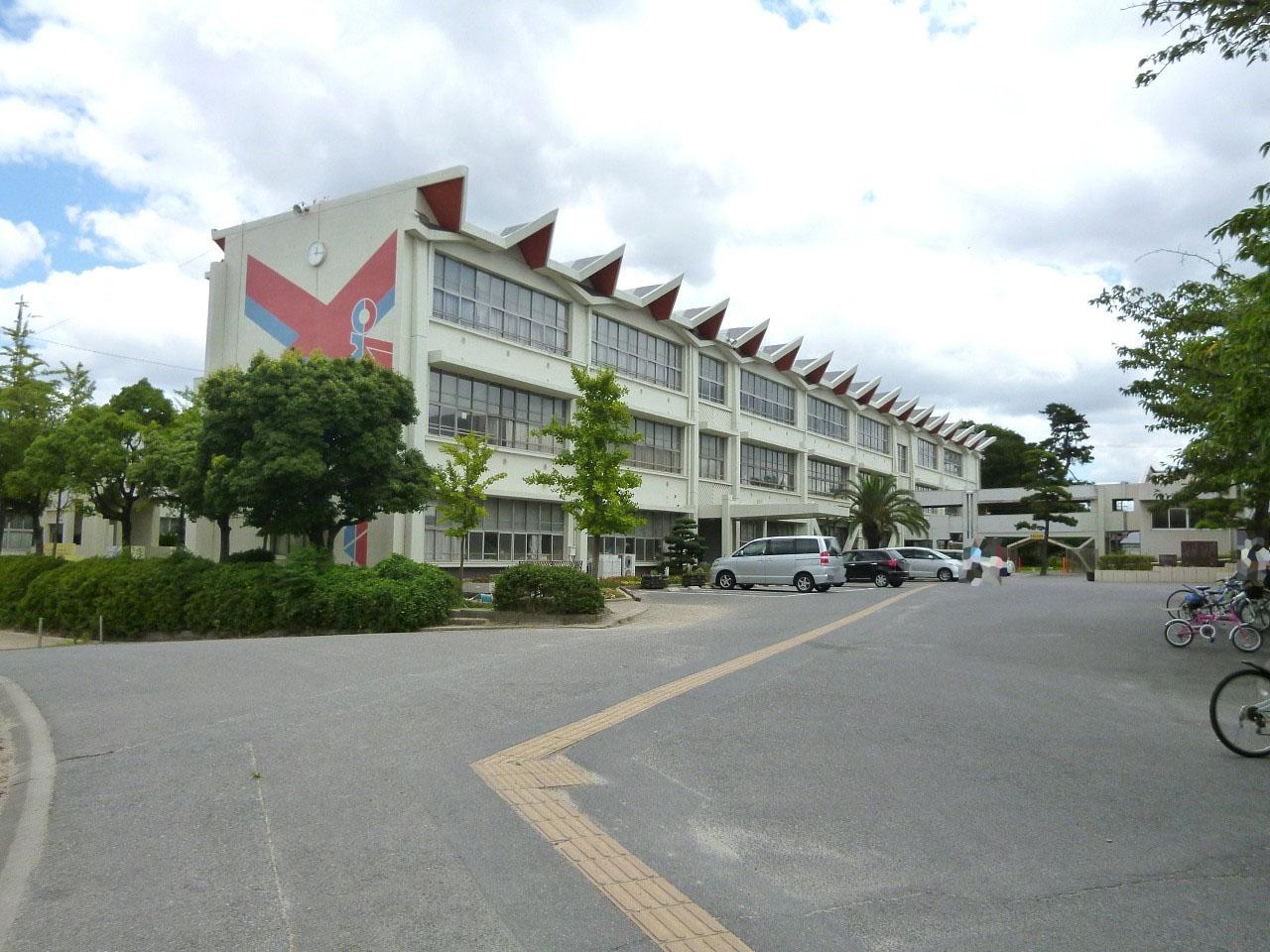 東海市立横須賀小学校