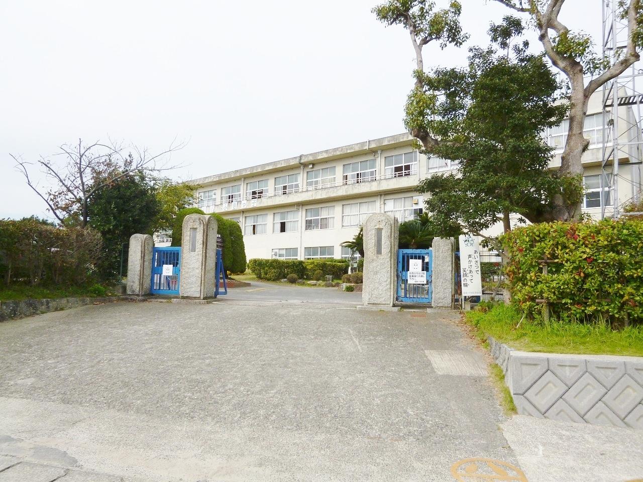 武豊町立富貴小学校