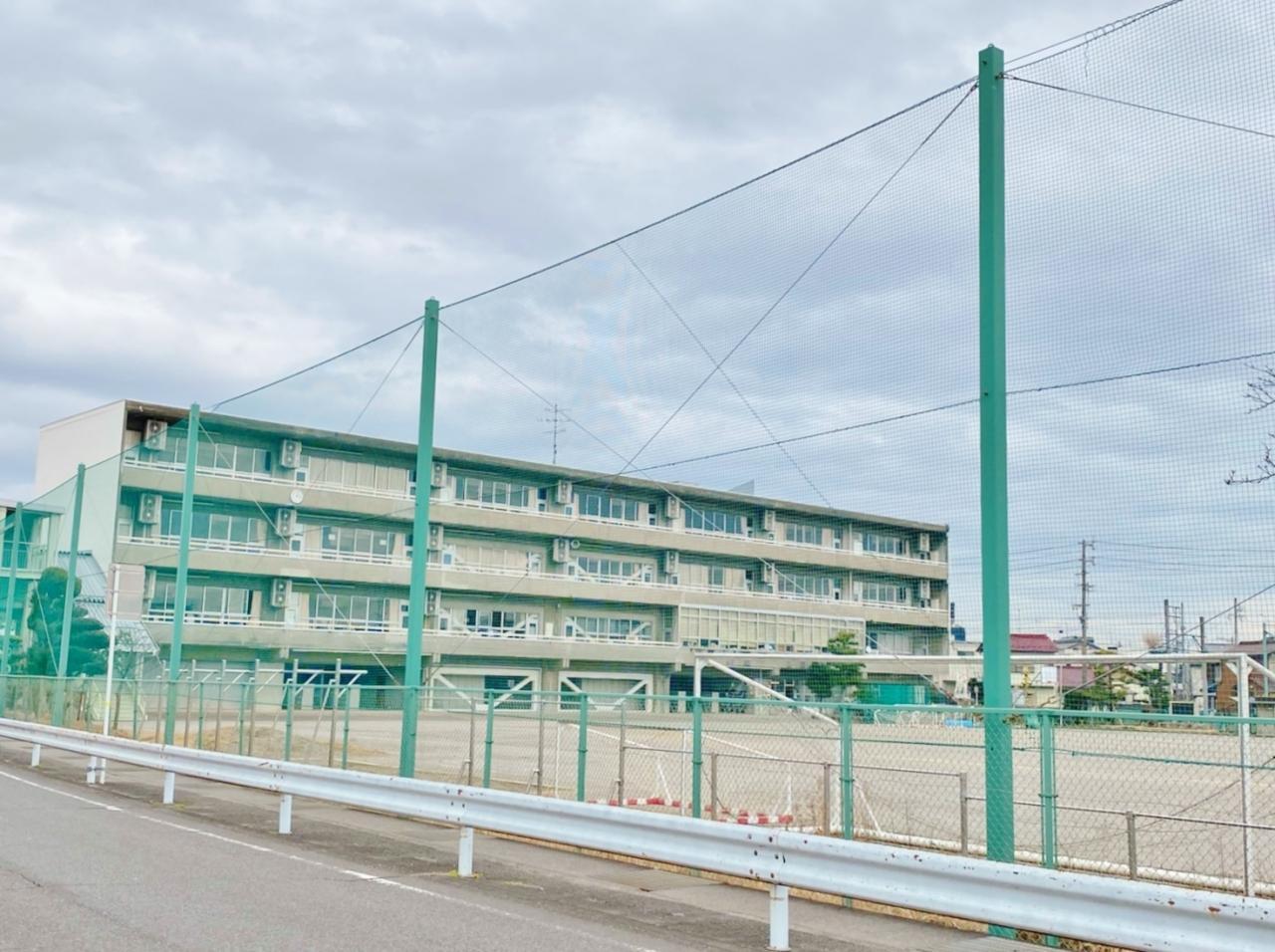 笠松町立笠松中学校