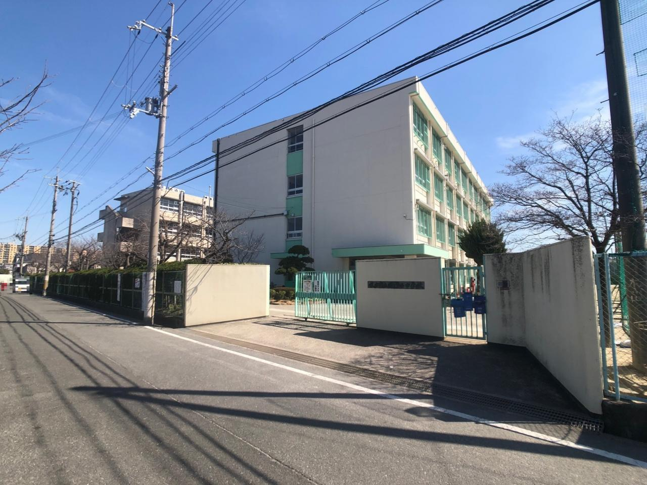 枚方市立楠葉西中学校