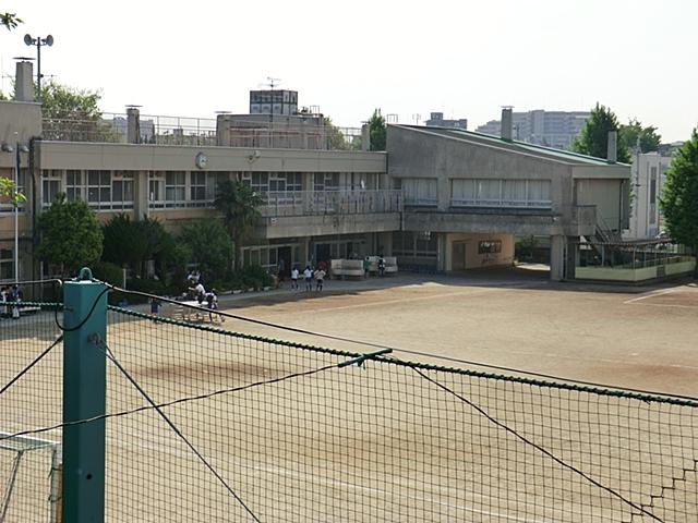 清瀬市立芝山小学校
