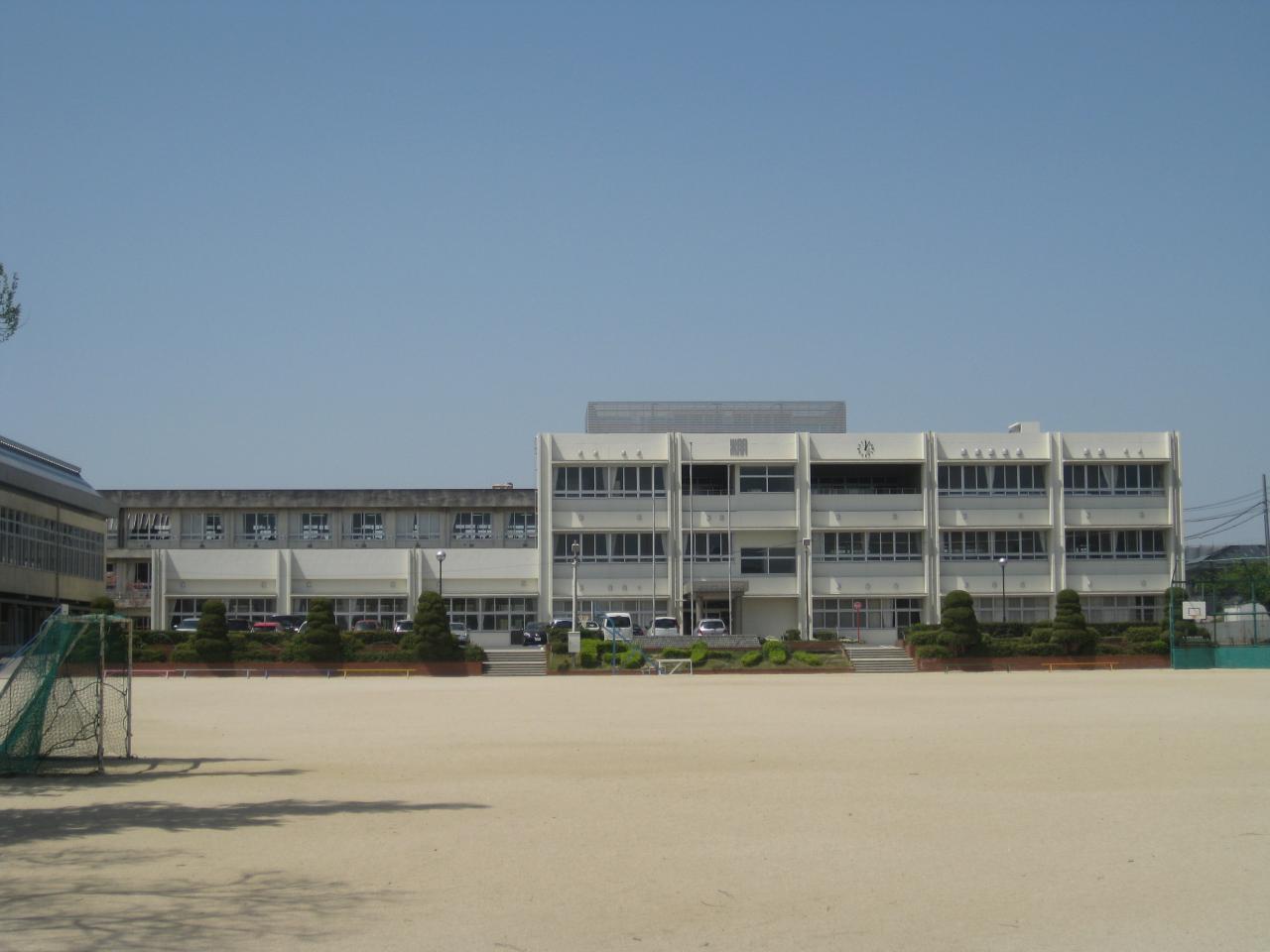 碧南市立棚尾小学校