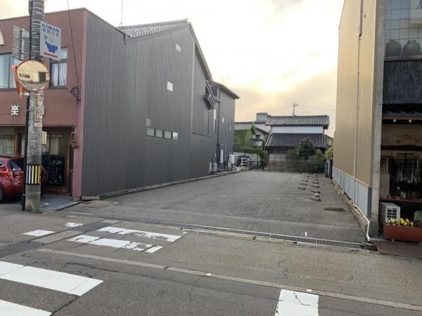 土地 南砺市福野浦町 城端線福野駅 950万円