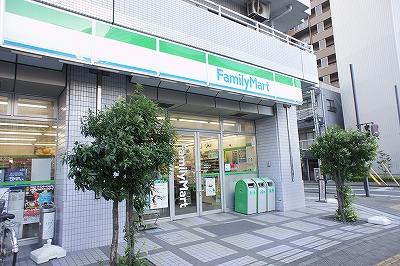 ファミリーマート 高崎駅東口店