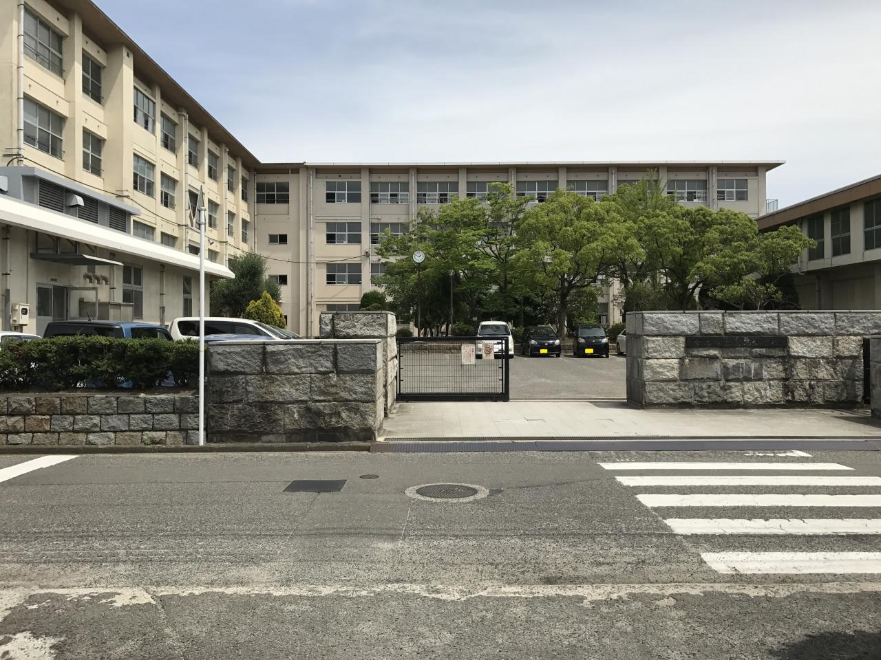 鳥生小学校