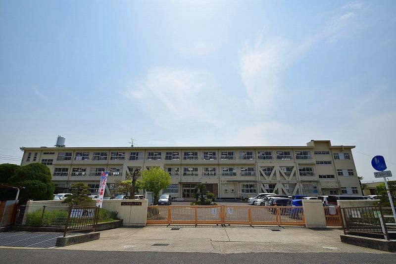 岡山市立富山小学校