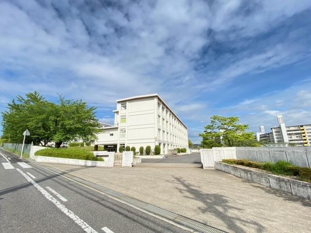 春日井市立岩成台中学校