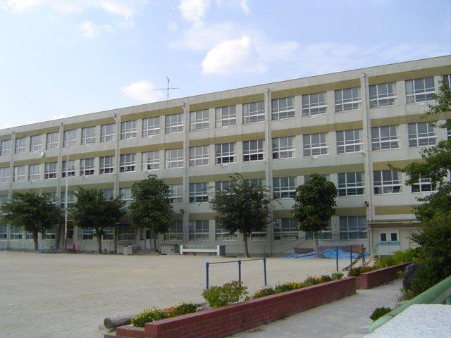 名古屋市立東山小学校