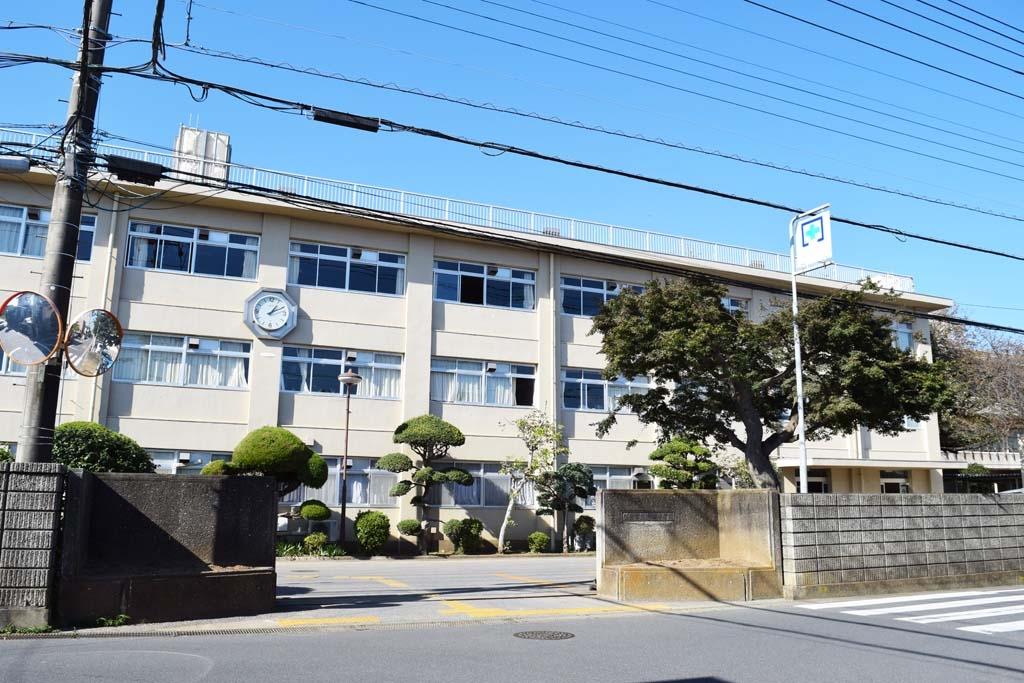 志津中学校