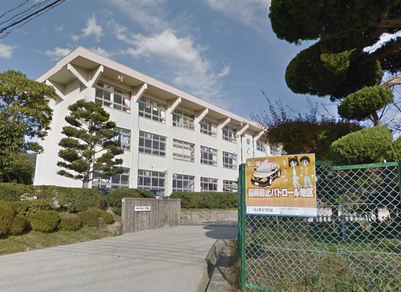 川上小学校