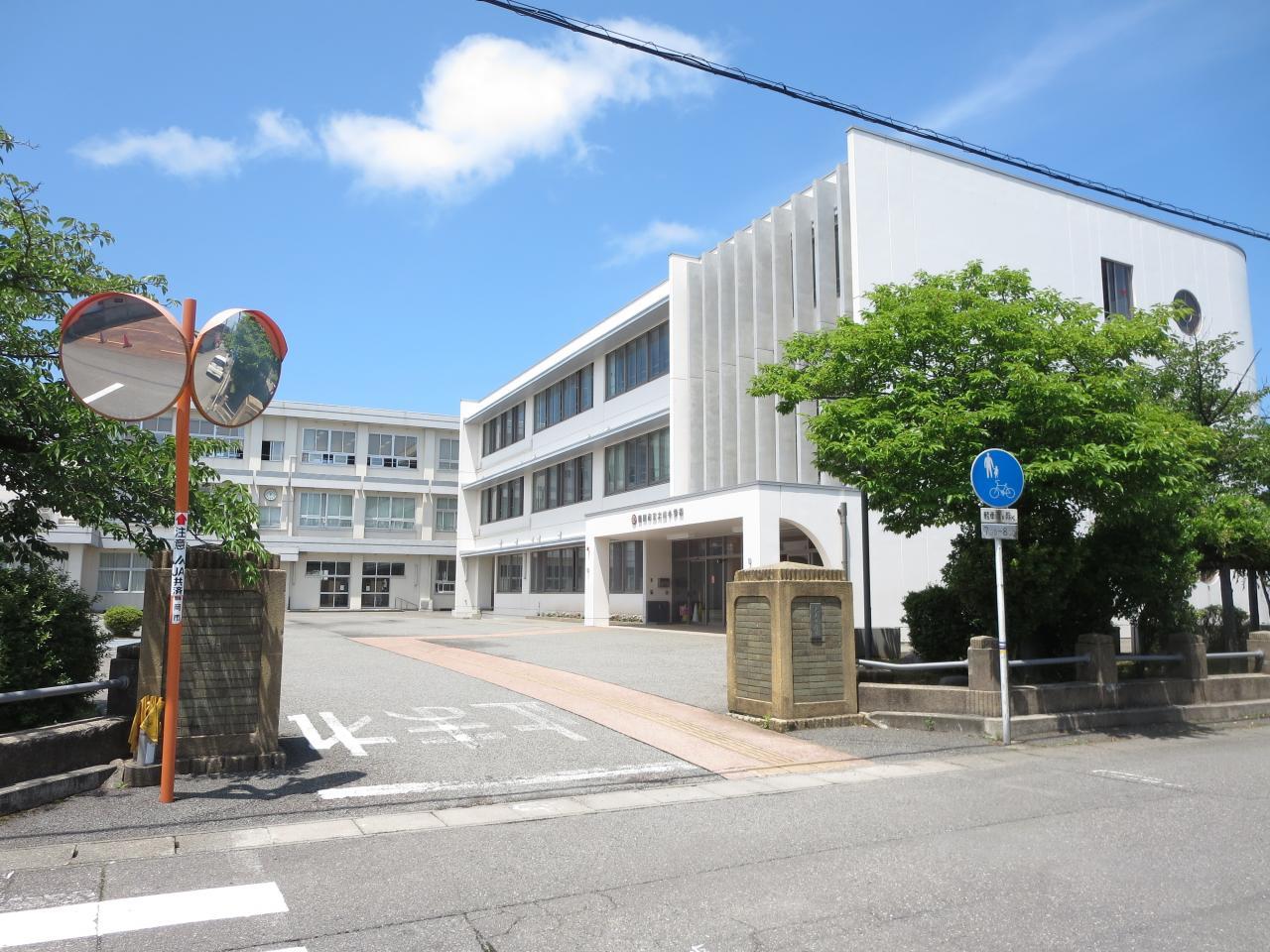 鶴岡市立大山小学校