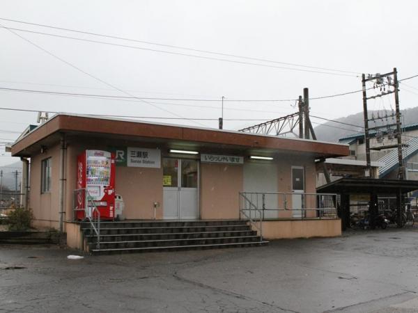 土地 山形県鶴岡市由良字村上14-28内 JR羽越本線三瀬駅 494.2万円