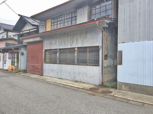 土地 山形県鶴岡市大東町4-53 JR羽越本線鶴岡駅 560万円